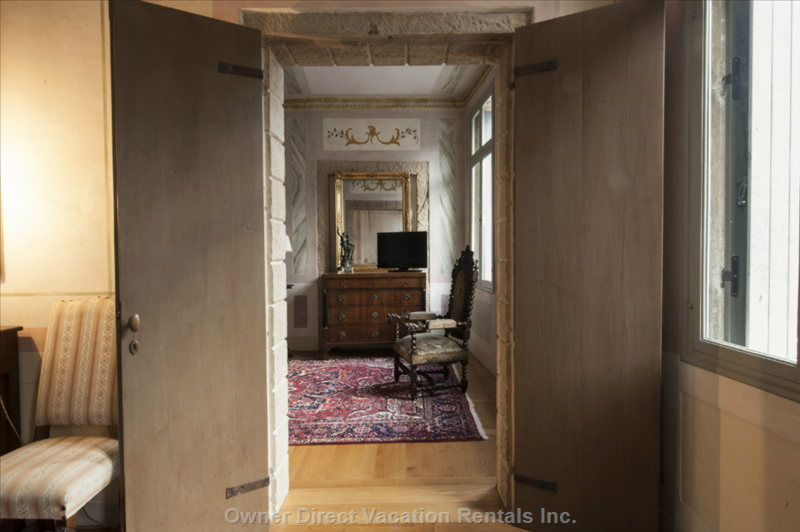Luxury 140sqm apartment with a view of Queen Cornaro Castle