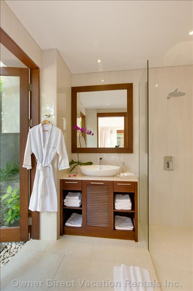 En-Suite Bathroom (Second Bedroom)