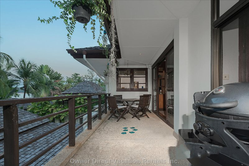 Balcony - Balcony with Teak Dining Table and Bbq Overlooks Pool and Beach