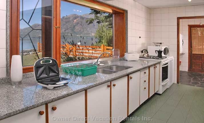 Kitchen with Views! (Dishwasher and Fully Equipped)