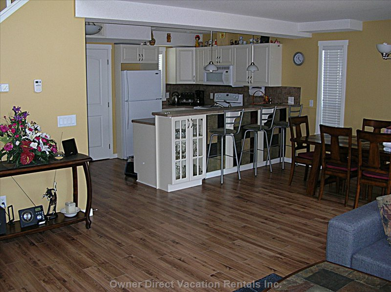 Living Area & Kitchen