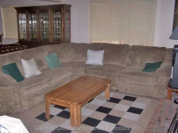 Downstairs Recreation Room (Sofa Bed, Sleeps 2, Recliner)