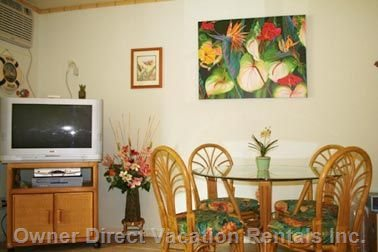 Comfortable Dining and Large TV