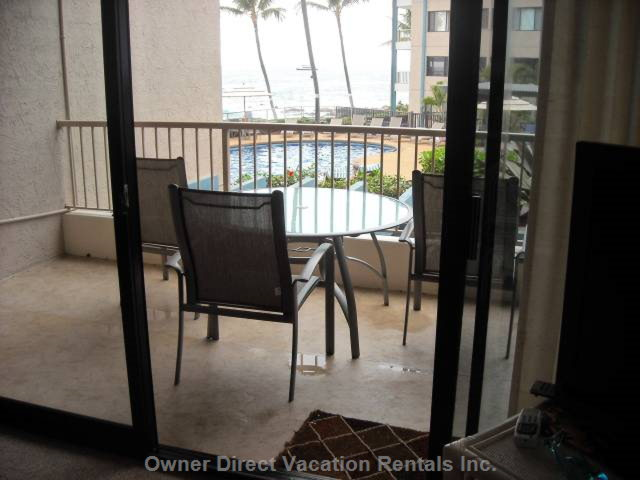 Lanai Overlooks Pool and Ocean