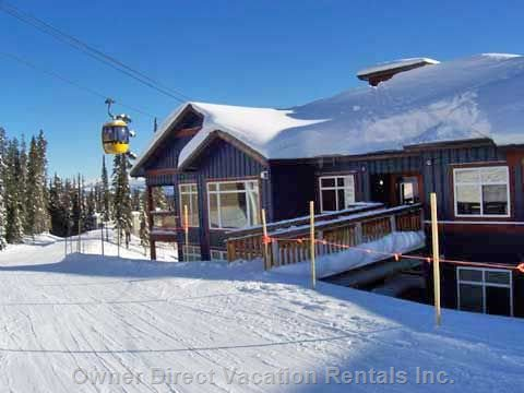 Cozy, modern ski inski out condo at Big White with private deck and hot tub. ID# 104881