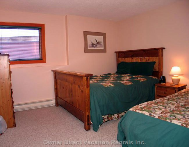 4th Bedroom has a Queen Bed and a Single Bed