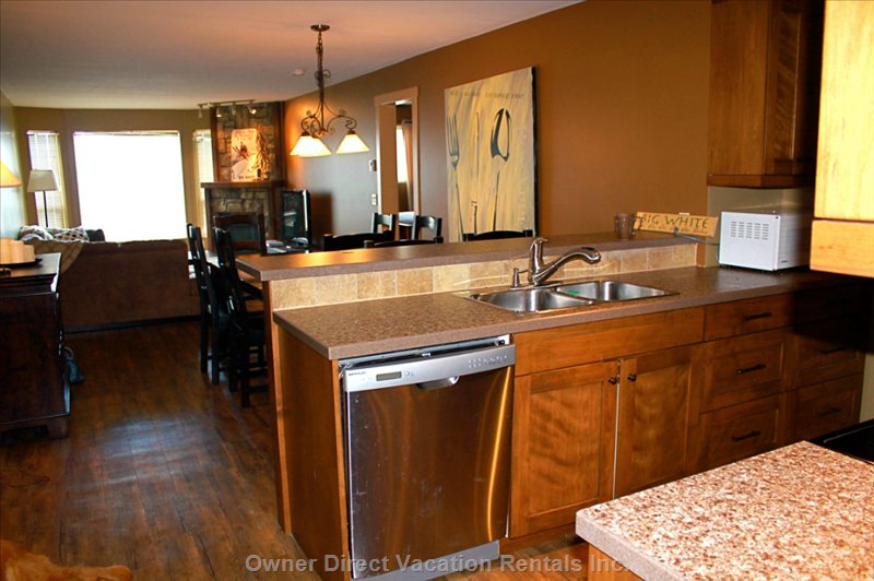 Fully Renovated and Updated Kitchen Makes Apres Ski Preparations Fun and Easy!