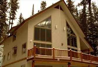 2200sq Ft  Ground Level Chalet, 4 Bedrooms and Loft!