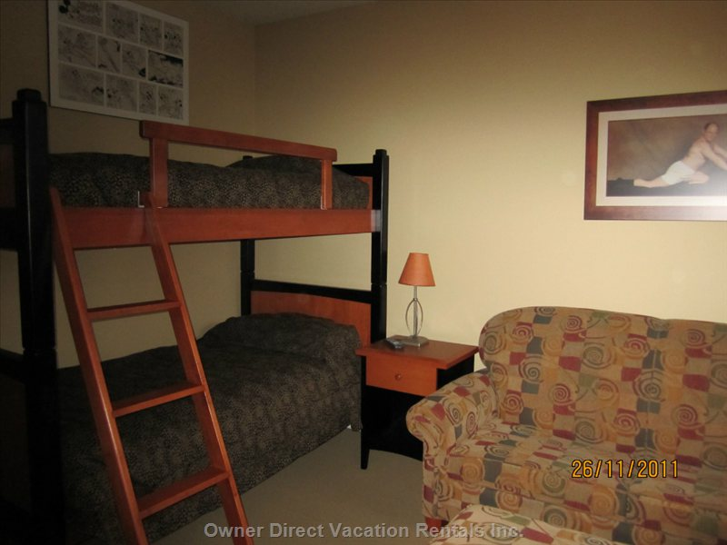 Lower Level Bedroom Single Bed Bunkbeds, with Queen Sofa Pullout