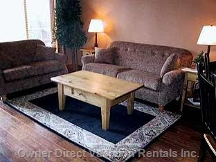 Cozy Lounge -  with Beautiful Views over Monashee Mountains