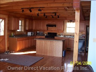 Kitchen Space - Look at this Fully Equipped Family-gathering Space.