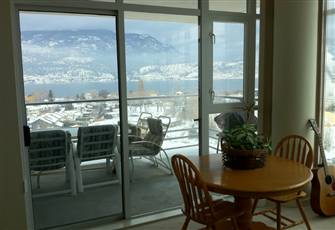 Amazing 12th Floor Views. 2br Downtown Condo Overlooking Lake Okanagan & Kelowna