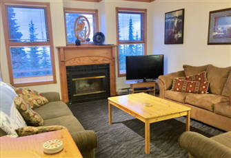 Ground Floor 2 Bed/2 Bath Condo with  Laundry,Underground Parking & Pet Friendly