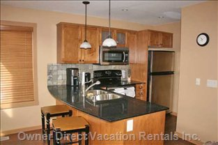 Kitchen with Stainless Steel Appliances - Kitchen Comes Fully Equipped with all you Need