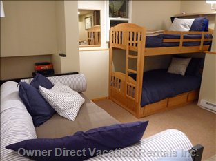 Downstairs Bedroom - Bunk Beds for any Ski Bums you May Have in Tow.