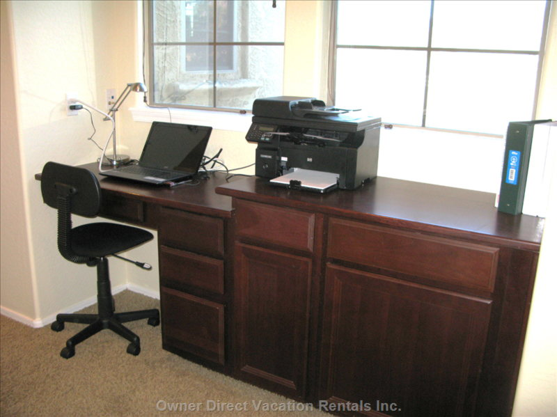 Office Desk and Printer/Scanner Provided for Guests