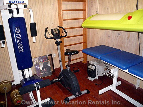 Fitness Room with Solarium