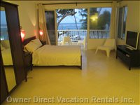 Big Bedroom with Ocean View and Direct Access to Balcony