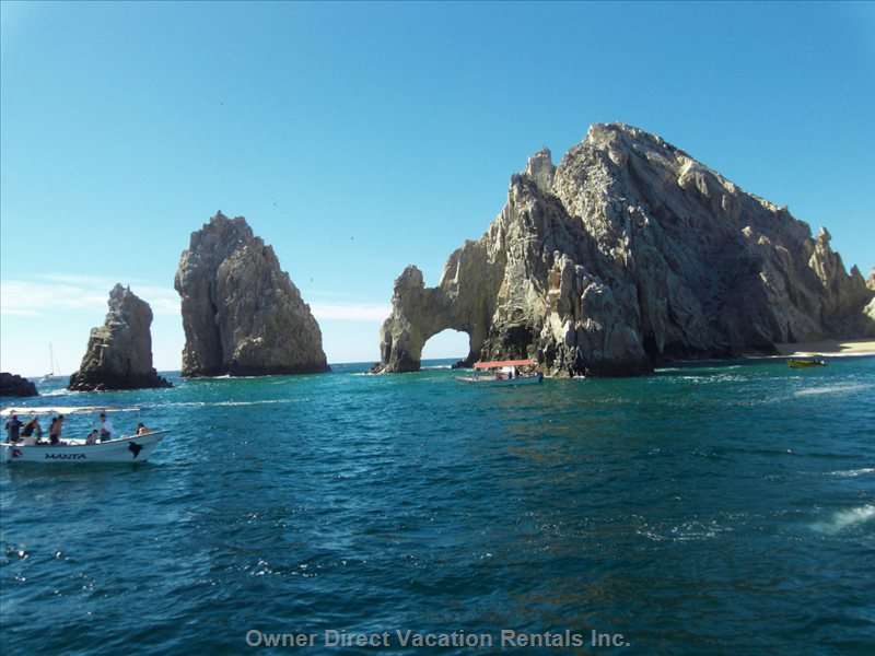 EL Arco Lands End Where the Pacific Ocean and the Sea of Cortez Meet