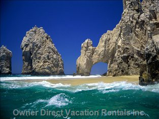 World Famous El Arco. Minutes Away by Water Taxi from Medano Beach!