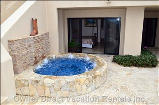 Jacuzzi Outside Master Bedroom Poolside