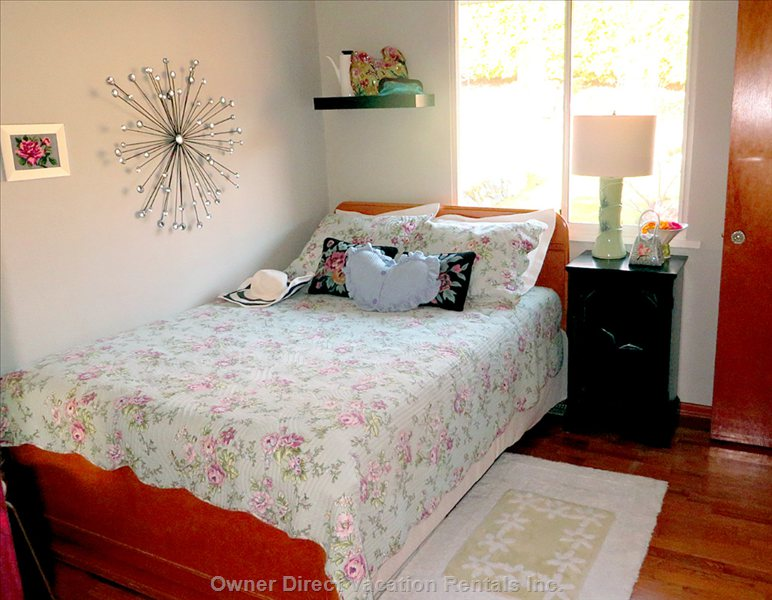 Cherry View Bedroom with one Full/Double Bed, Looks out to the Garden