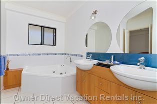 Ensuite with Twin Vanities, Separate Shower and Spa!