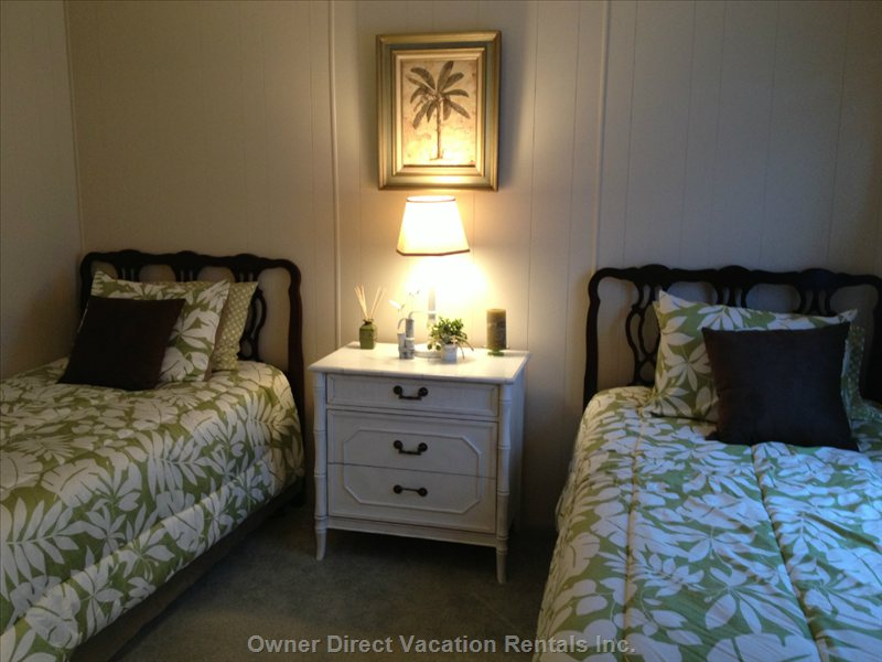 2 Twin Beds, with all Bed Linens.