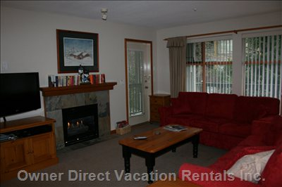 Northstar has a Very Spacious and Comfortable Living Area with Hdtv and Gas Fireplace.