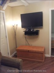 "42"" Lcdtv with Dvd Player, Apple Tv, and Blue Tooth Stereo/Charging Station"