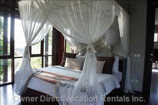 Suite Ocean View Room, King Size Bed with Mosquito Net Perfect for Honey Mooners