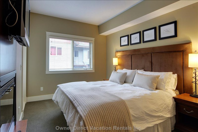 Master Bedroom with King Bed, Tv and Gas Fireplace