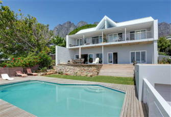 Fulham Delight - Beautiful 1 Bedroom Apartment Situated in Camps Bay - Sea Views