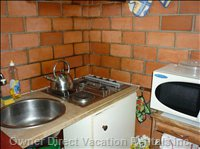 Kitchen, Sink, Cooker and Microwave