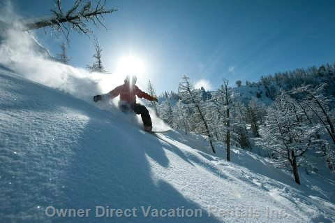 World Class Skiing in Fairmont, Panarama, & Kicking Horse Ski Resorts Nearby with something for all Ski Levels.