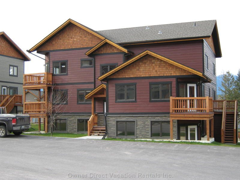 Front View of Building ~ you Have Arrived.  It's Time to Kick Back and Relax and Enjoy the Columbia River Valley with Family & Friends.