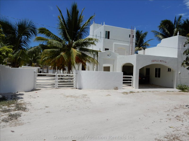 3 Story Villa. Chicxulub, Yucatan, Mexico. 5,500 Sq-Ft, 5 En-Suite Bedrooms. Sleeps 10 to 14. Pool and 50 Yards to the Sandy Beach.