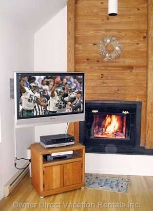 Cozy Fireplace, Free Firewood & Plasma TV