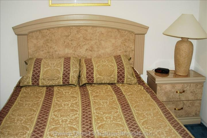 Master Bedroom #2, Queen Size Bed