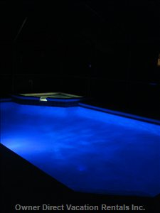 Ultimate Ambiance in our Screened in Color Changing Pool!!! after a Day at the Parks, Relax with Family by the Pool.