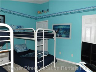 Themed Seaworld Bedroom Sleeps 4