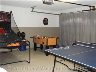 Games Room, Equipped with Indoor and Outdoor Sports Equipment
