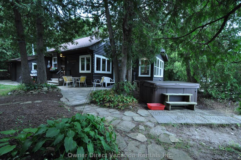 Muskoka Looking Cottage on the Open Waters of Georgian Bay, Hot Tub Goes Year Round