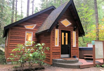 This is a Great Cottage with an out Door Hot Tub!