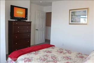 3rd Bedroom 32 Inch Hdtv