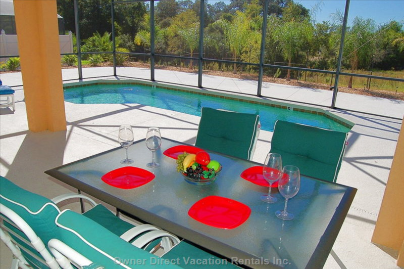 Have an Outdoor Picnic While Playing in the Pool