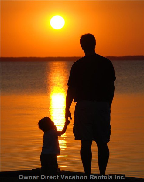 Sunset Family Photos are a Great Way to Remember your Vacation