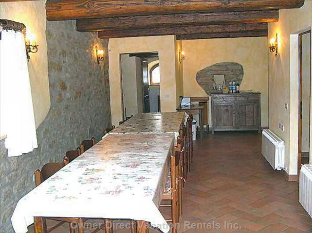 Large Dining Room for 20-25 People