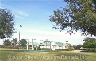 Community Area Volley Tennis Courts Bbq  Picnic Area and Comunity Pool Free for our Guests to Use