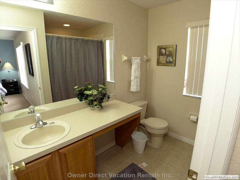 En-Suite King Bathroom